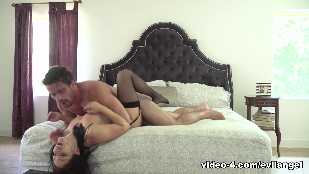 Lea Lexis & Manuel Ferrara & Manuel Ferrara in Reality Porn: Deep, Gaping Sodomy – EvilAngel