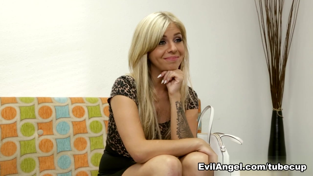 Madelyn Monroe,Kevin Moore in The Casting Couch, Scene #01
