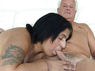 Silver Stallion get Desi Blow Job