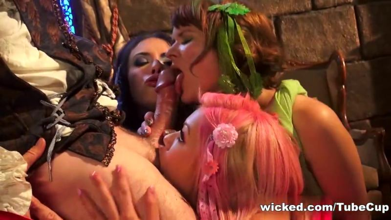 Sleeping Beauty XXX: An Axel Braun Parody, Scene 1