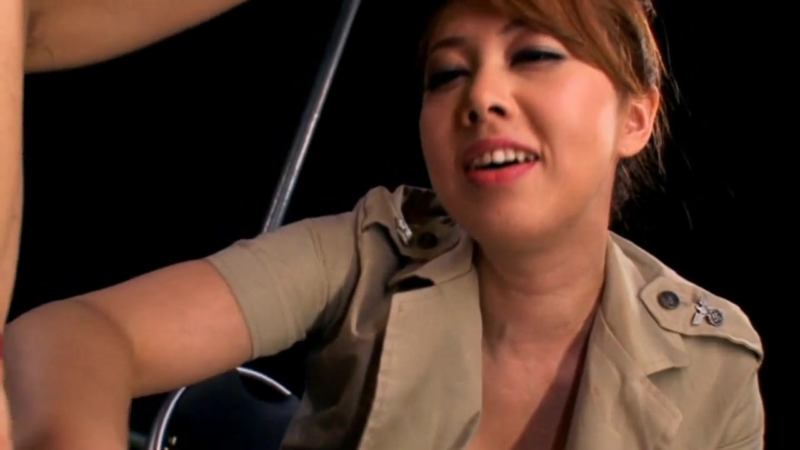 Yumi – Facesitting Interrogation Commando 4