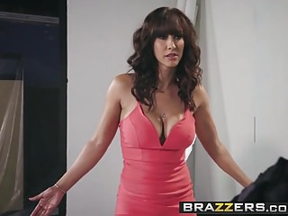 Brazzers – Pornstars Like it Big – The Headshot scene starri