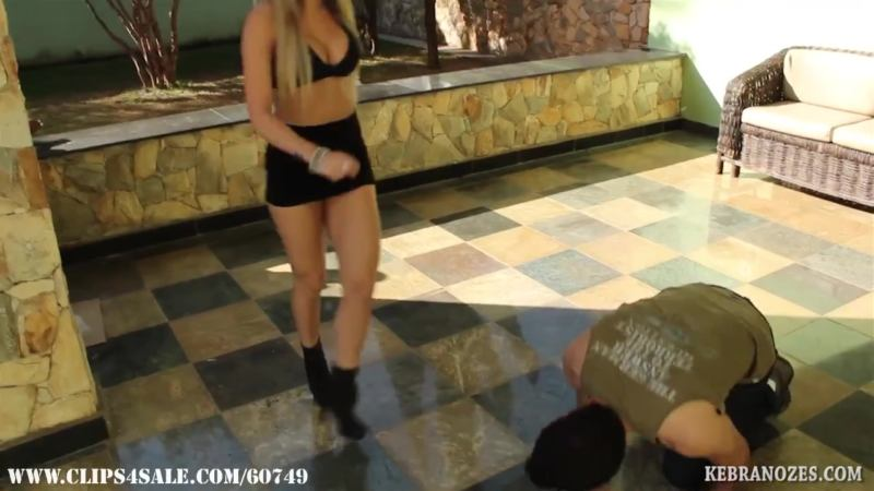 Veronica's Hawt Ballbusting Try-Out
