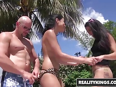 RealityKings – 8th Street Latinas – Double Dipper