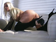 Britney Amber toys in her pussy