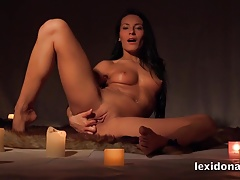 Lexidona – Stunning Lexi masturbates surrounded by candles