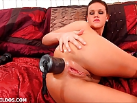Babe destroys her ass with a silver brutal dildo